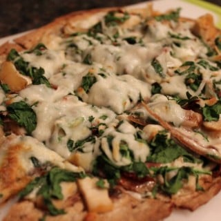 Flatout Spinach Chicken Alfredo Pizza
