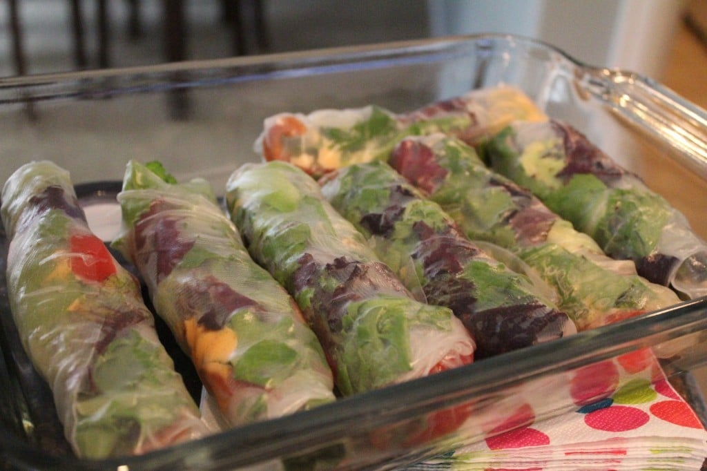 BLT Summer Rolls with Lime Sriracha Dipping Sauce | No Thanks to Cake