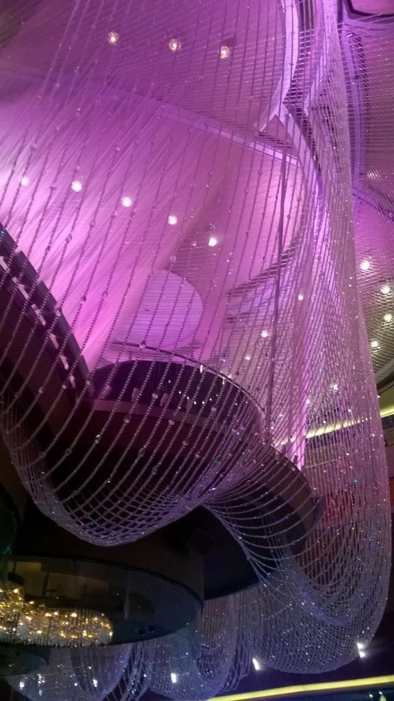 Chandelier Bar Cosmopolitan Las Vegas | No Thanks to Cake