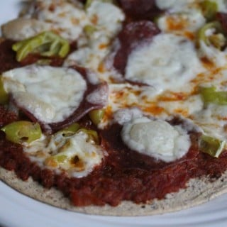 Flatout Salami and Pepperoncini Pizza
